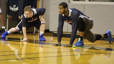 Kevin Grow trenuje z Evanem Turnerem