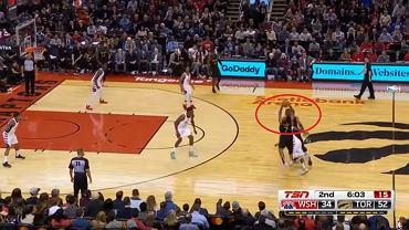 Niewiarygodny rzut w NBA. Nawet koledzy z zespołu nie mogli w coś takiego uwierzyć [WIDEO]