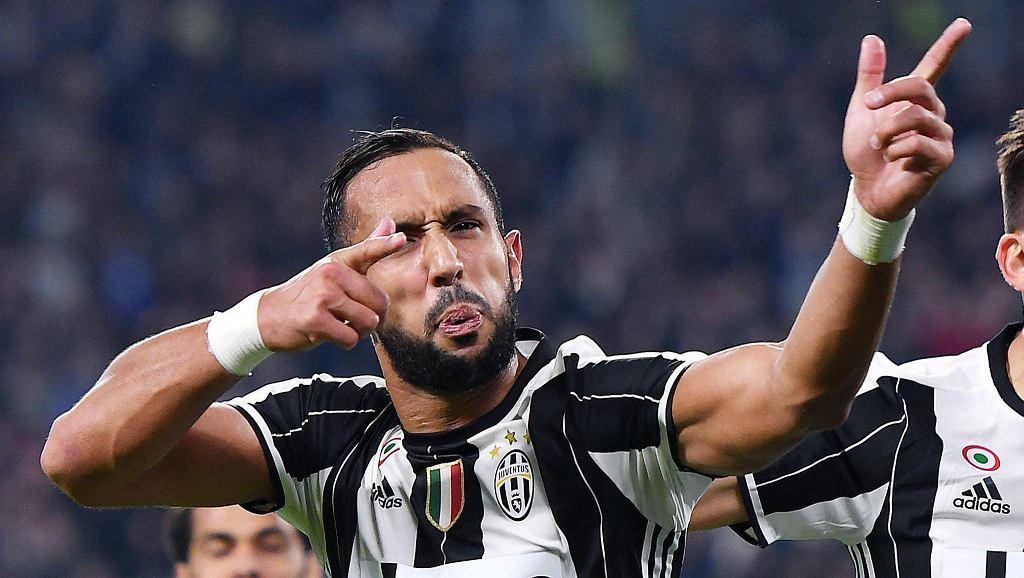 Marokańczyk Mehdi Benatia celebruje gola dla Juventusu Turyn