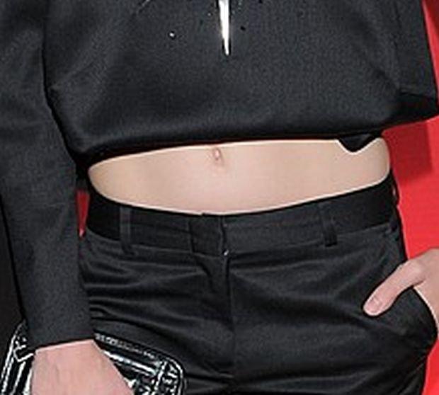 Julia Pietrucha, brzuch