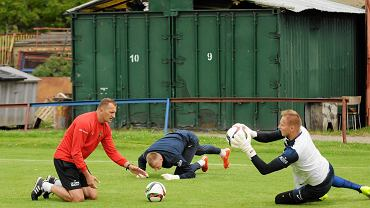 Od lewej: Boris Pesković, Jakub Słowik i Dawid Kudła na treningu Pogoni
