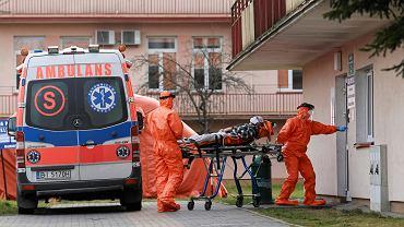 W trzecim sobotnim komunikacie Ministerstwo Zdrowia poinformowało o 40 potwierdzonych laboratoryjnie przypadkach zakażenia koronawirusem. Wśród kolejnych zakażonych jest siedem osób z województwa śląskiego