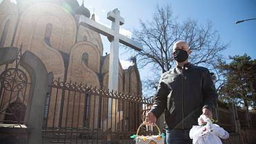 Wielkanoc 2021. Chorych przybywa, a kościołów nie zamkną. Waldemar Kraska o święceniu pokarmów