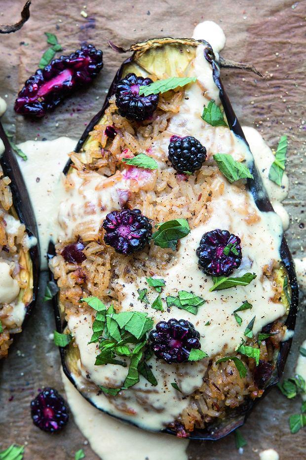 Pikantne bakłażany i tort z jeżynami - intensywne smaki późnego lata