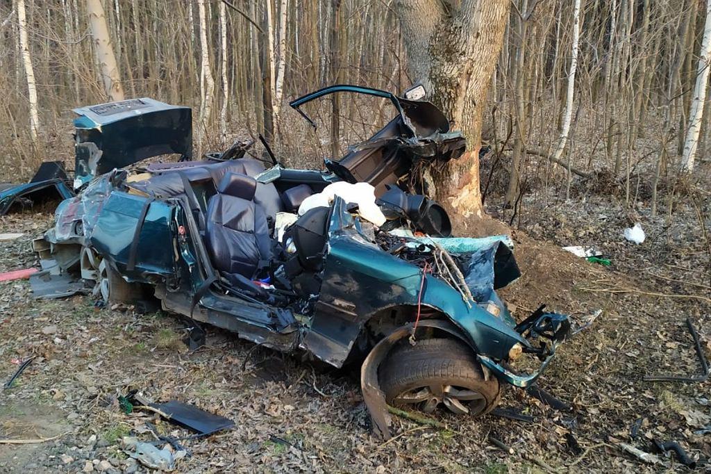 Kujawsko-Pomorskie. Tragiczny wypadek w Bobrowie. Zginęły dwie młode osoby