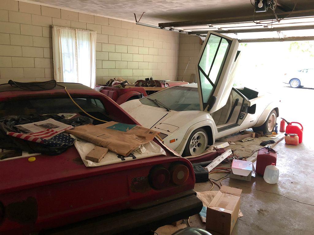 Wchodzisz do garażu swojej babci, a tam jedno z 321 wyprodukowanych lamborghini countach LP500S zakonserwowane pod 20-letnią warstwą kurzu.