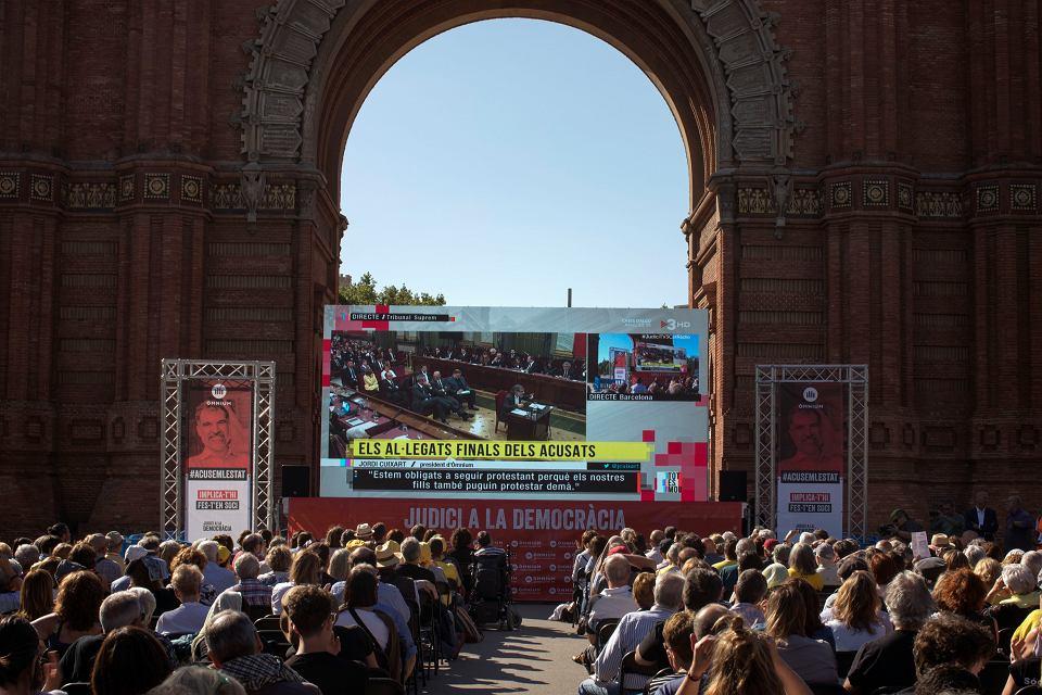 12.06.2019, Barcelona, transmisja z procesu katalońskich separatystów.