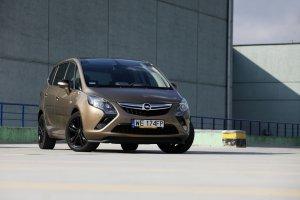Opel Zafira Tourer 2.0 BiTurbo CDTI Cosmo | Test | Rodzinny tranSPORT