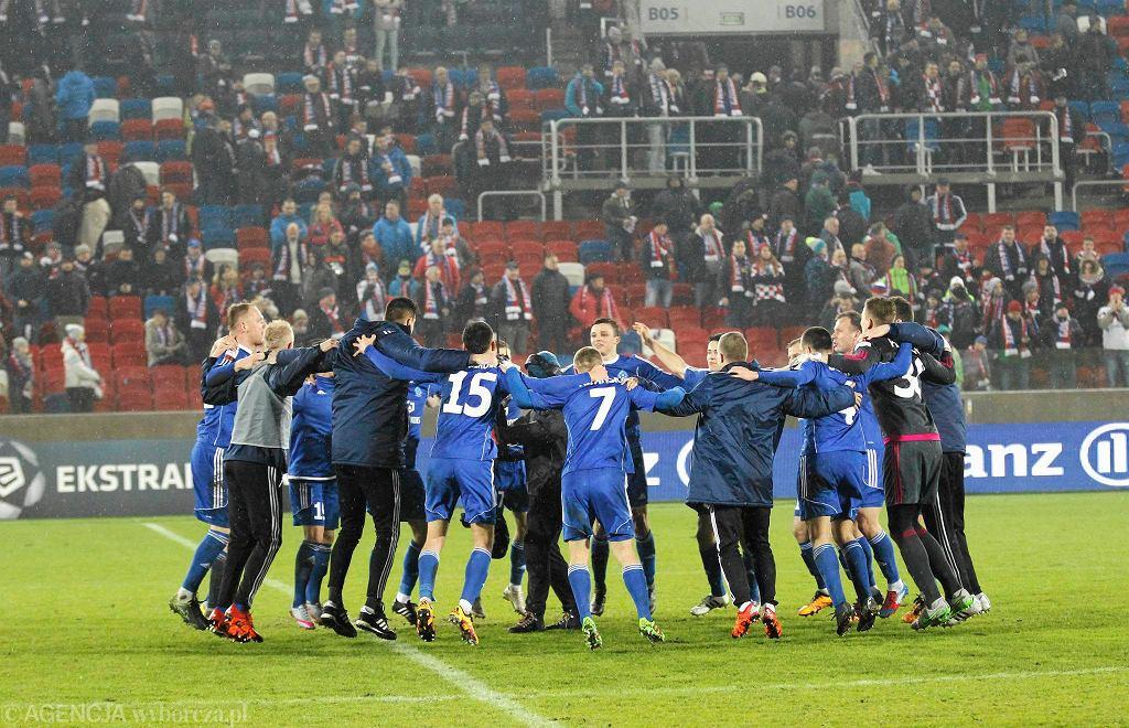 Radość piłkarzy Ruchu Chorzów