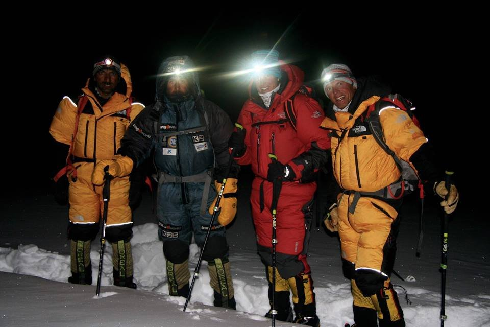 Nanga Parbat zdobyta zimą! Od lewej Muhammad Ali, Alex Txikon, Tamara Lunger i Simone Moro