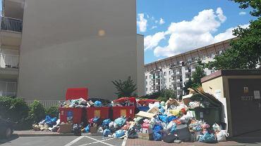Śmieci zalegające przy ul. Światowida