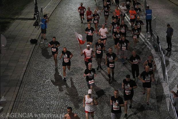 Zdjęcie numer 33 w galerii - Rekord frekwencji na Biegu Powstania Warszawskiego. Prawie 11,5 tysięcy biegaczy przebiegło ulicami Warszawy [ZDJĘCIA]