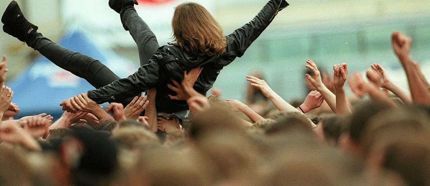 Koncert zespołu Metallica w Warszawie w 1999 roku (fot. Robert Kowalewski / Agencja Gazeta)