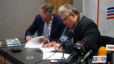Podpisanie umowy na budowę hali sportowej w Radomiu