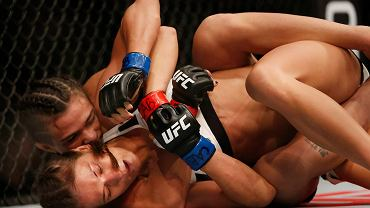 Do tej pory obie przegrywały jedynie z mistrzynią Joanną Jędrzejczyk. Na gali UFC 212 lepsza okazała się Claudia Gadelha, która poddała Karolinę Kowalkiewicz w 1 rundzie.