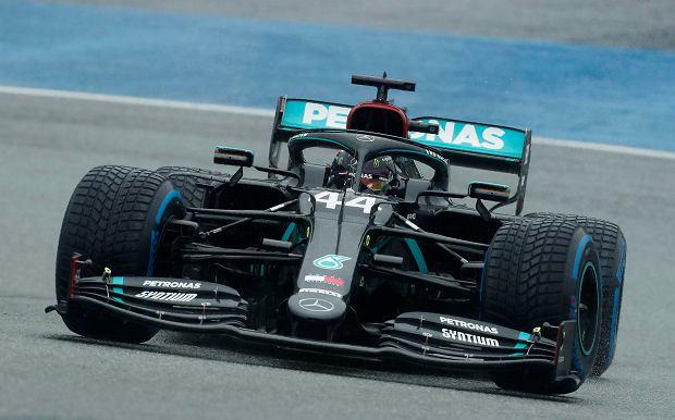 Mercedes podjął decyzję ws. składu na kolejny rok w F1! Russell został na lodzie