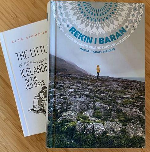 Okładki obu książek o Islandii na profilu Aldy Sigmundsdóttir