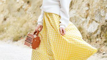 spódnica na lato, zdjęcie ilustracyjne