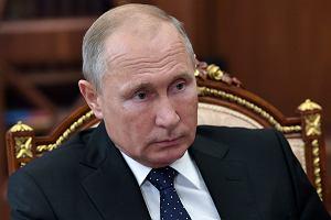 Po szpiegowskim skandalu austriacka minister nie jedzie do Moskwy. Niedawno Putin tańczył na jej weselu