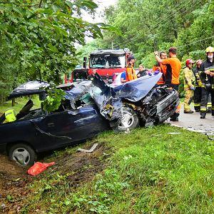 Wypadek samochodowy (zdjęcie ilustracyjne)