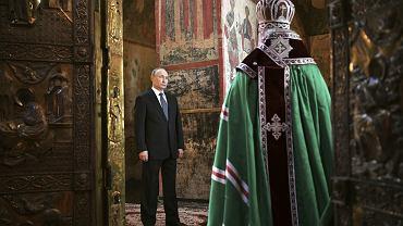 Zwycięski Putin. Dzień po kolejnym, już czwartym zaprzysiężeniu na prezydenta Władimir Putin wziął udział we mszy odprawianej przez patriarchę Moskwy Cyryla, 7 maja 2018 r.