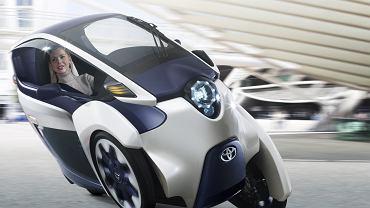 """Toyota """"i-ROAD"""""""