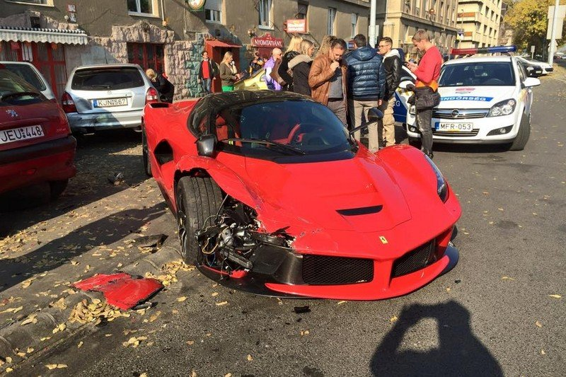 Ferrari LaFerrari rozbite w Budapeszcie