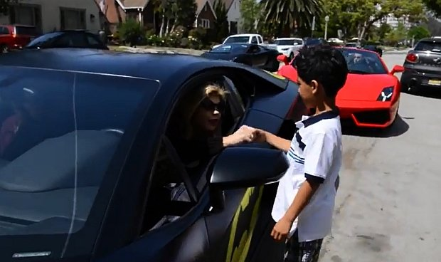 Wideo | Prezent dla 7-letniego fanatyka Lambo