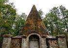 Jakie tajemnice skrywa najstarsza piramida w Polsce? Miejscowi uznali, że duchy odpowiadają za śmierć krów