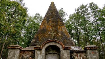 Piramida w Rapie przed remontem