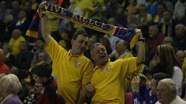 Kibice Vive Tauron Kielce podczas meczu z Vardarem Skopje