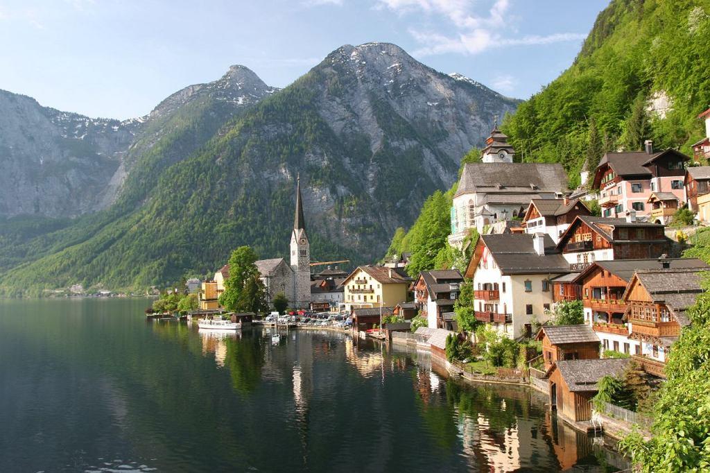 Najpiękniejsze miasto w Austrii walczy z plagą turystów