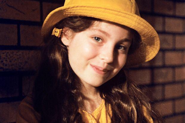 """Sarę Müldner poznaliśmy ponad 20 lat temu, gdy zagrała córkę Zosi i Kuby w """"Na dobre i na złe"""". Aktorka wzięła ostatnio udział w nagraniach programu """"Jaka to melodia?"""". Jak dzisiaj wygląda serialowa Julka?"""