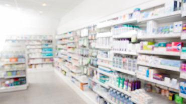 W aptekach na całym świecie - polskie nie są tu wyjątkiem - nieświadomi klienci kupują sfałszowane lekarstwa. Również te na receptę i ratujące życie