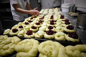 """Cukiernicy opracowali recepturę """"zdrowych"""" drożdżówek dla uczniów"""