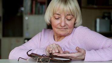 Niższe emerytury to efekt tzw. dochodu zerowego. ZUS wyliczył go tysiącom seniorów za wybrane lata pracy.