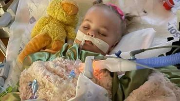 Dziewczynka zmarła po połknięciu baterii