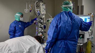 Komisja Europejska tworzy strategiczne zapasy sprzętu medycznego. Polska bierze udział