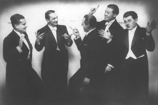 Chór Dana. Od lewej: Władysław Dan-Daniłowski, Mieczysław Fogg, Tadeusz Bogdanowicz,  Tadeusz Jasłowski, Adam Wysocki. 1937 r.