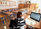 """Nauczycielka: """"Mój dzień pracy trwa obecnie 12 godzin"""". Polskie szkoły zalała biurokracja"""