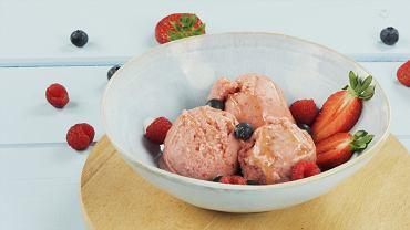 Lody jogurtowe z owocami FIT