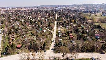 Droga, która połączy al. Armii Krajowej z ul. Dunikowskiego będzie przebiegać przez ogród działkowy