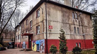 Budynek, w którym mieści się dom dziecka w Mysłowicach.