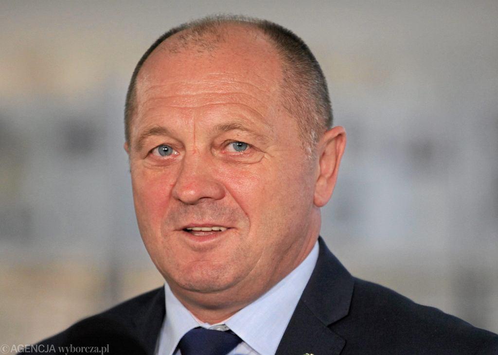 Minister rolnictwa Marek Sawicki popdczas konferencji prasowej w Sejmie, 11 września 2014