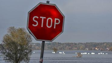 IMGW ostrzega: Wzrasta poziom wody w rzekach na południu Polski (zdjęcie ilustracyjne)