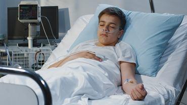 Przybywa dzieci i młodzieży w szpitalach z powodu covid-19