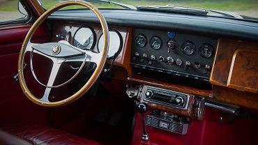 Jak dbać o samochód? Należy pamiętać o wielu elementach, które wymagają regularnej konserwacji. Zdjęcie ilustracyjne, FernandoV/shutterstock.com