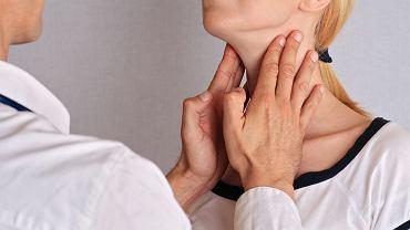 Komentujący zdjęcie zdiagnozowali u kobiety raka tarczycy