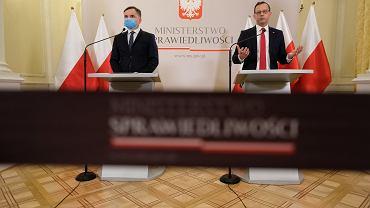 Minister sprawiedliwości Zbigniew Ziobro i wiceminister Marcin Romanowski