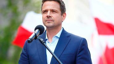 Trzaskowski: Jestem przeciw adopcji dzieci przez pary jednopłciowe. W tej akurat kwestii zgadzam się z Dudą